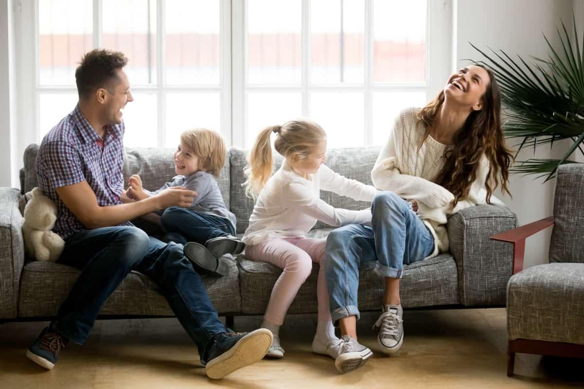 Découvrez les services de nettoyage de divan par Nettoyage Impérial