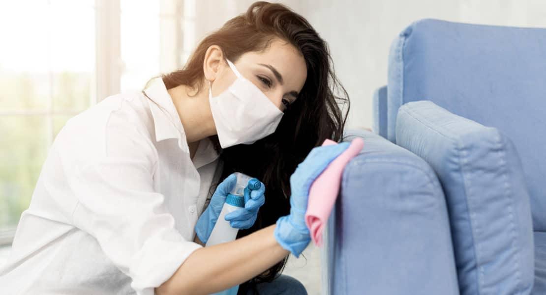 Comment nous effectuons le nettoyage d'un divan tissue