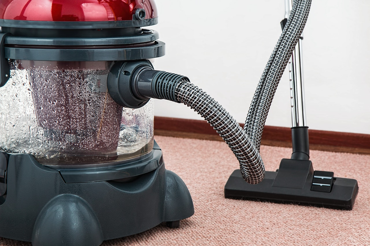 4 Carpet Cleaning Tips for a Super-Clean Carpet and Rug